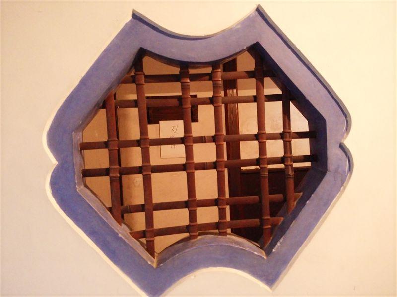 湯殿(ゆどの)の窓